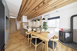 キッチン・ダイニング(1階)